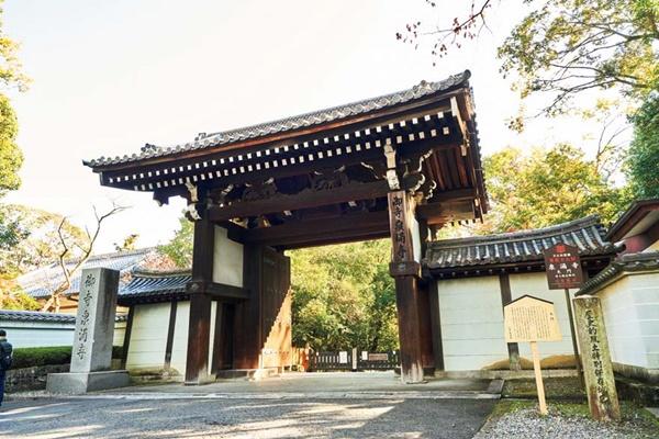 ・CMでもおなじみの格式高い皇室の菩提寺
